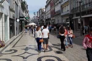What to see in Porto - Porto Streets and Squares - Santa Catarina Street and Batalha Square