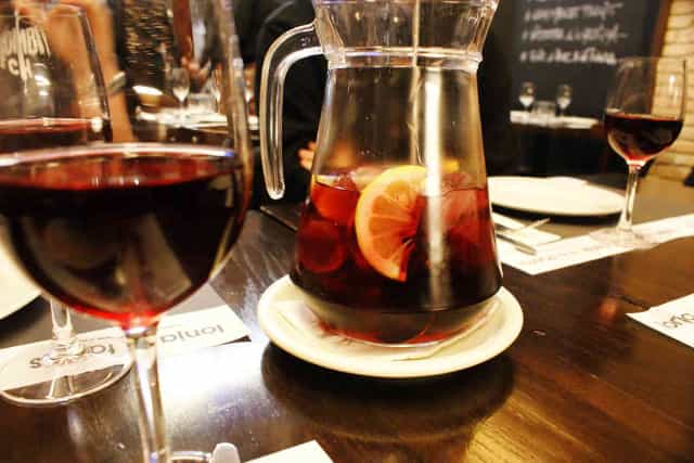 what to drink in porto - qué beber en oporto - o que beber no porto - sangria